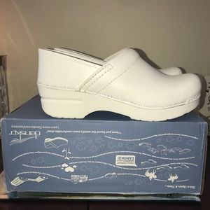 Dansko Professional White Size 37 New in box